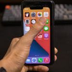 Checking-out-iphone12-5_4-size-05.jpg