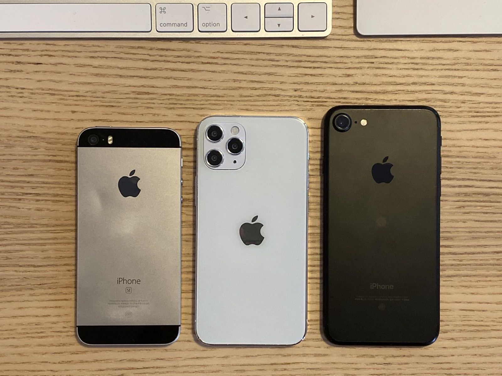 Iphonese 4inch comparing to iphone12mini