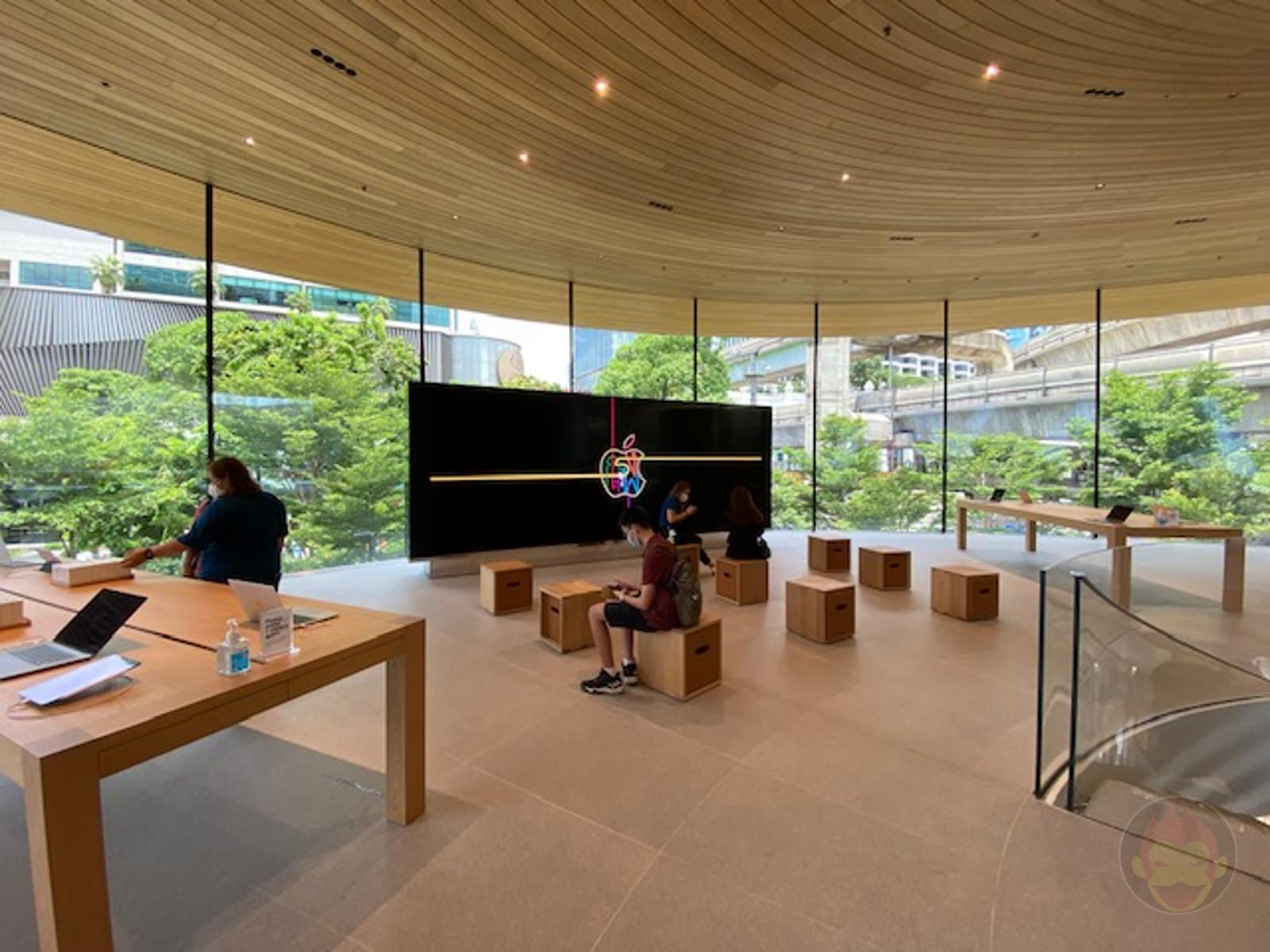 Apple-Thailand-Apple-Central-World-06.jpg