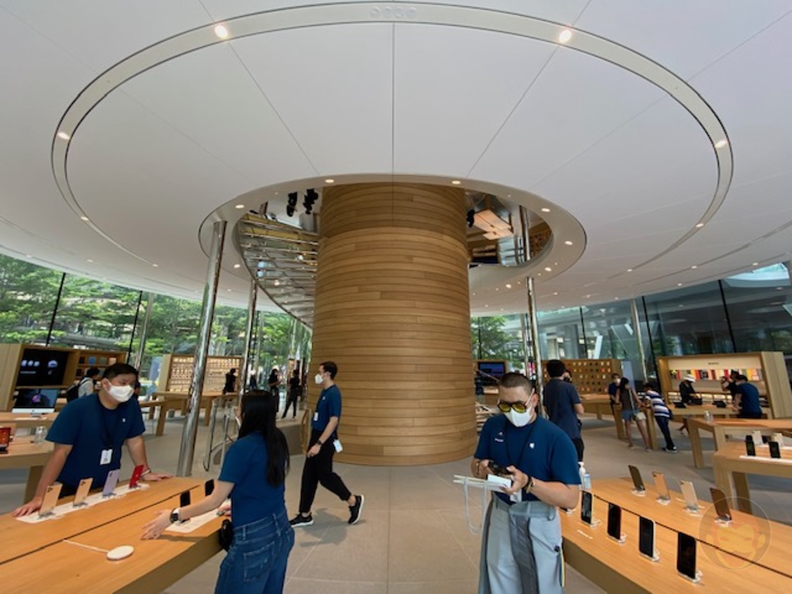 Apple-Thailand-Apple-Central-World-11.jpg