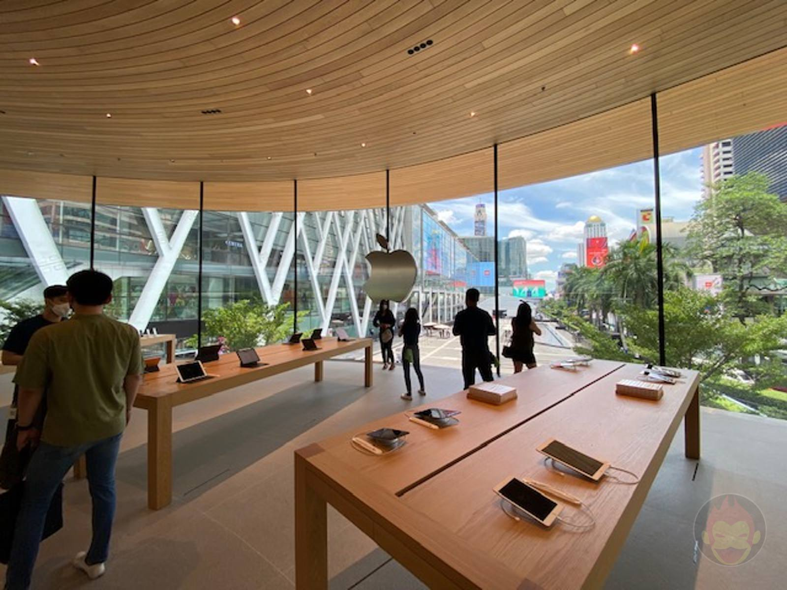 Apple-Thailand-Apple-Central-World-15.jpg