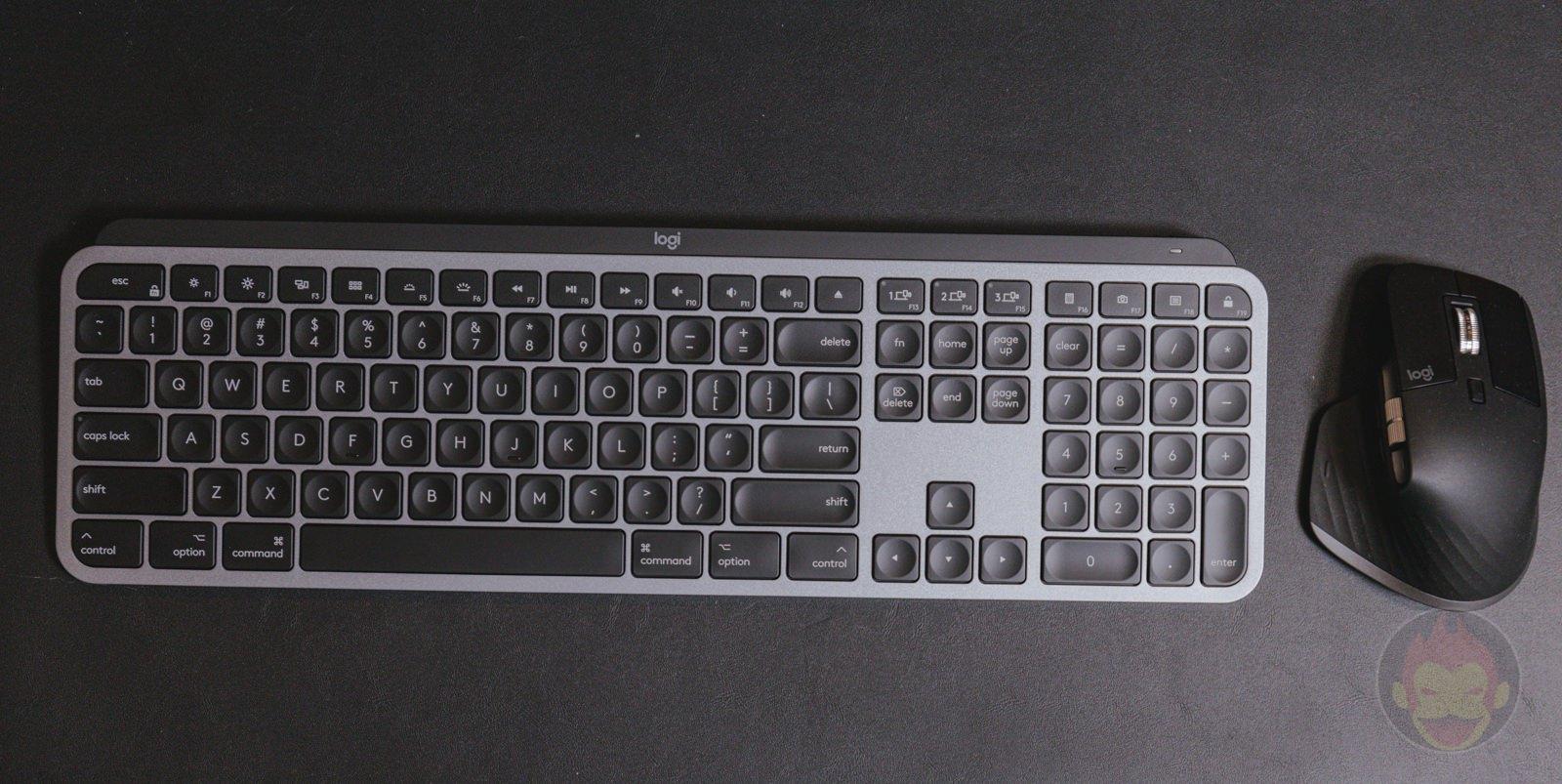 Logicool-KX800M-MX-KEYS-for-Mac-01.jpg