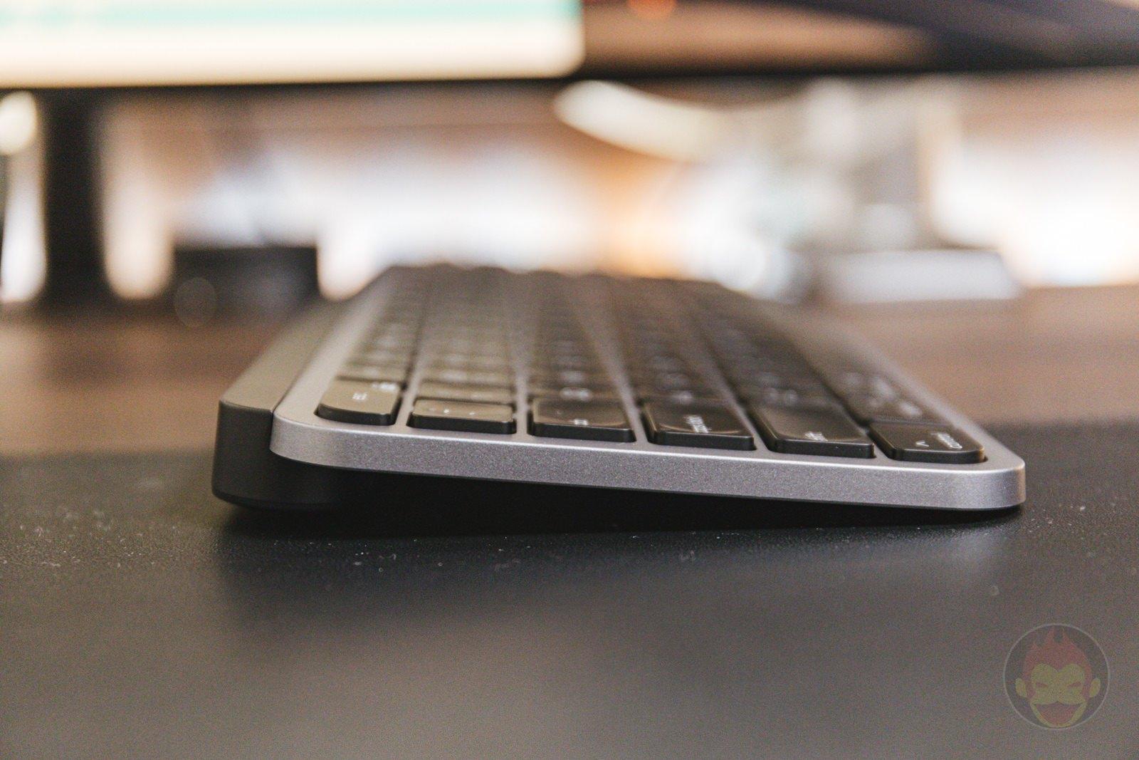Logicool-KX800M-MX-KEYS-for-Mac-06.jpg