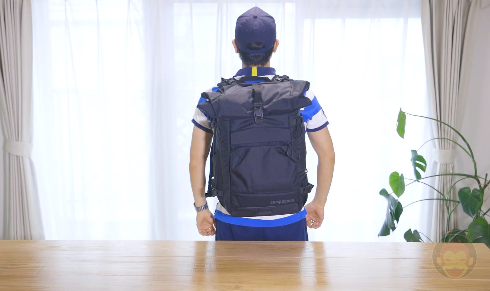 Wearing the Compagnon Element Backpack 09