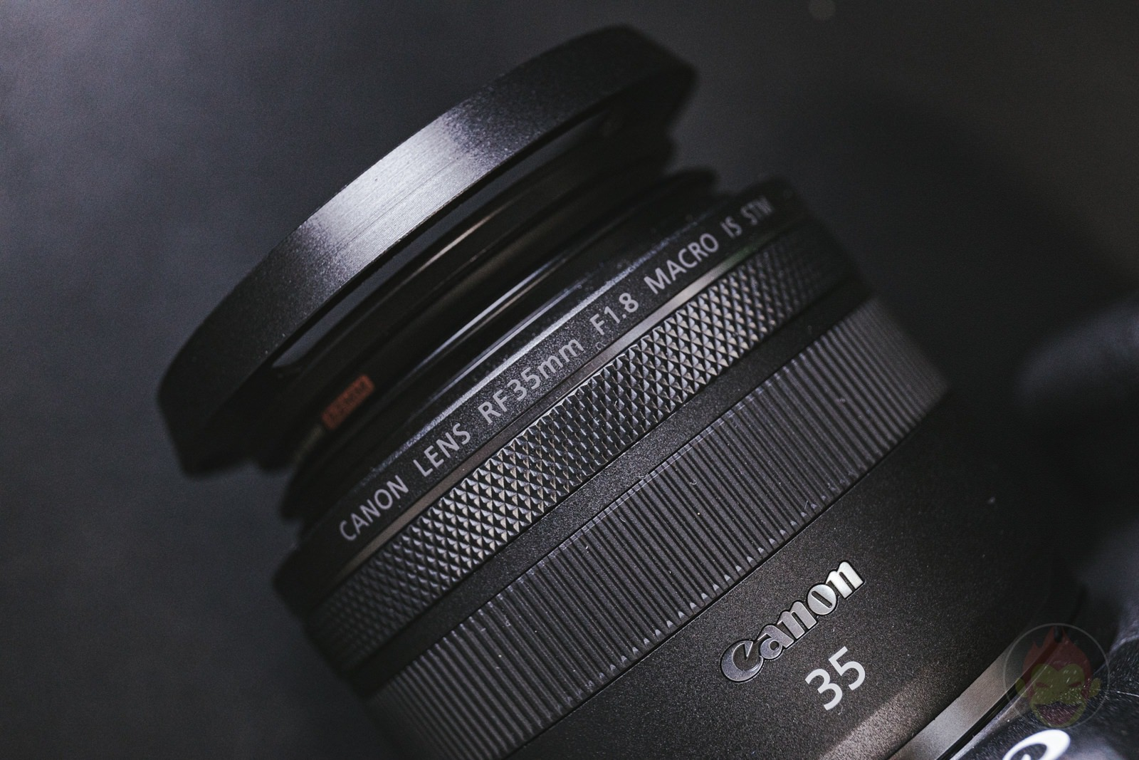 Canon RF35mm F1 8 MACRO IS STM Lens Hood 13