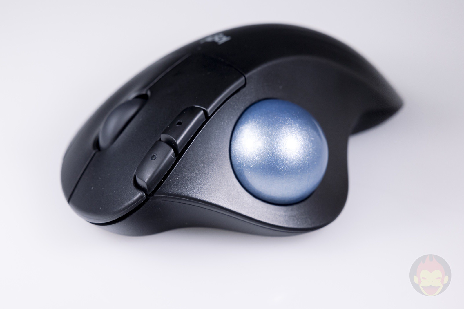 Logicool ERGO M575S Trackball Hands on 04