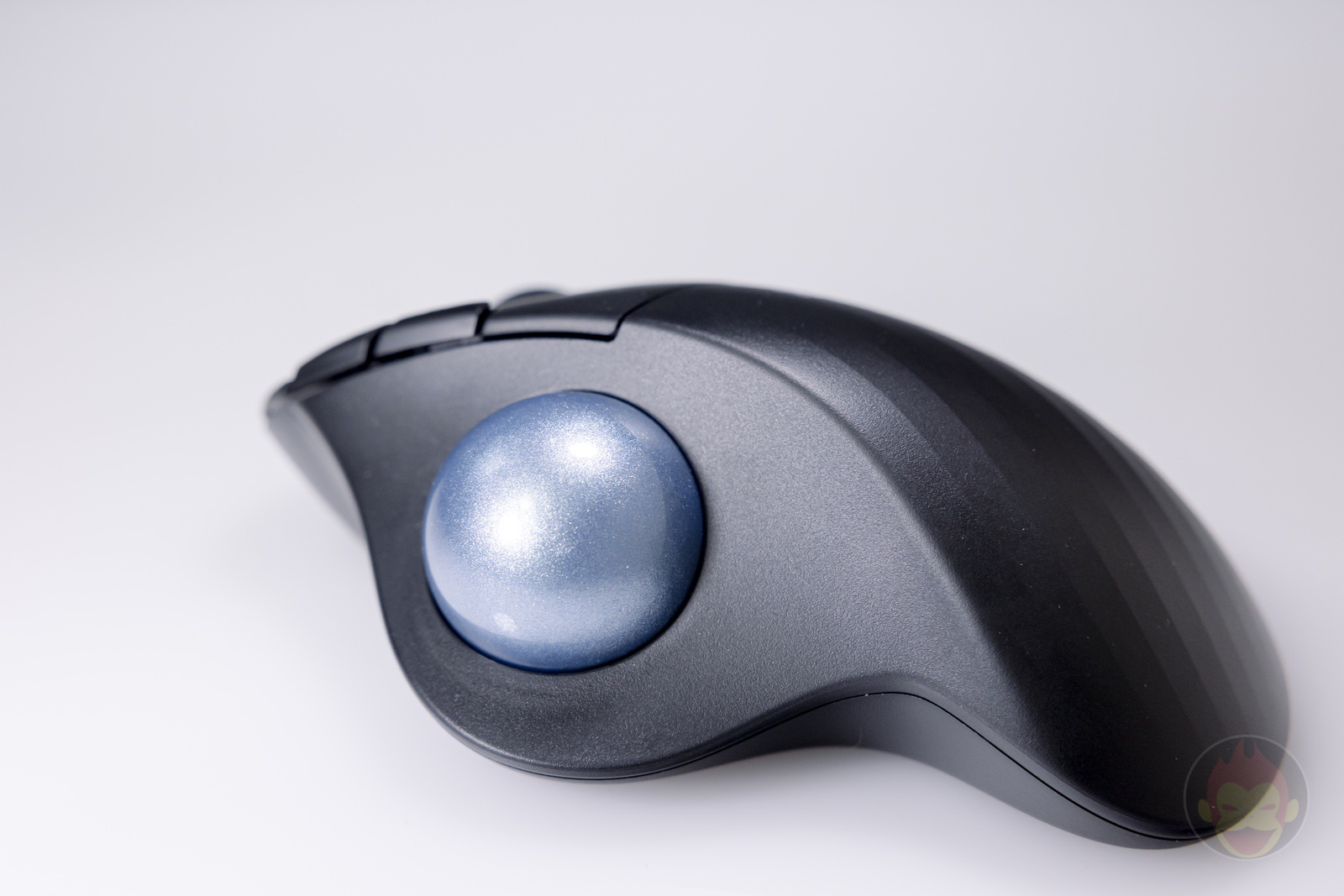 Logicool-ERGO-M575S-Trackball-Hands-on-07.jpg