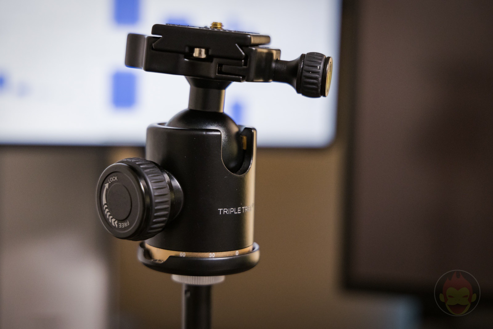 Using a mic stand for Camera 02