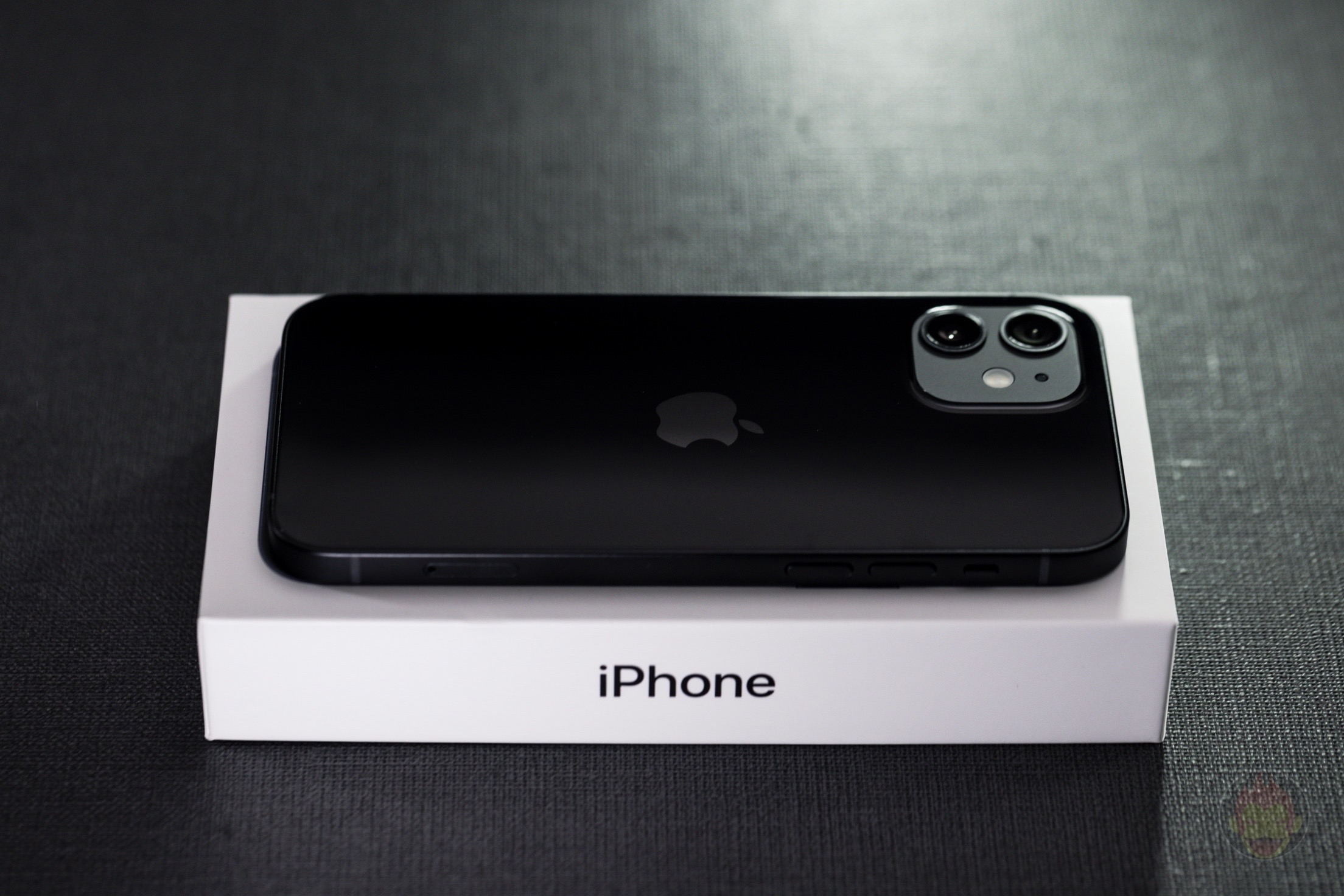 iPhone-12-review-boxes-04.jpg