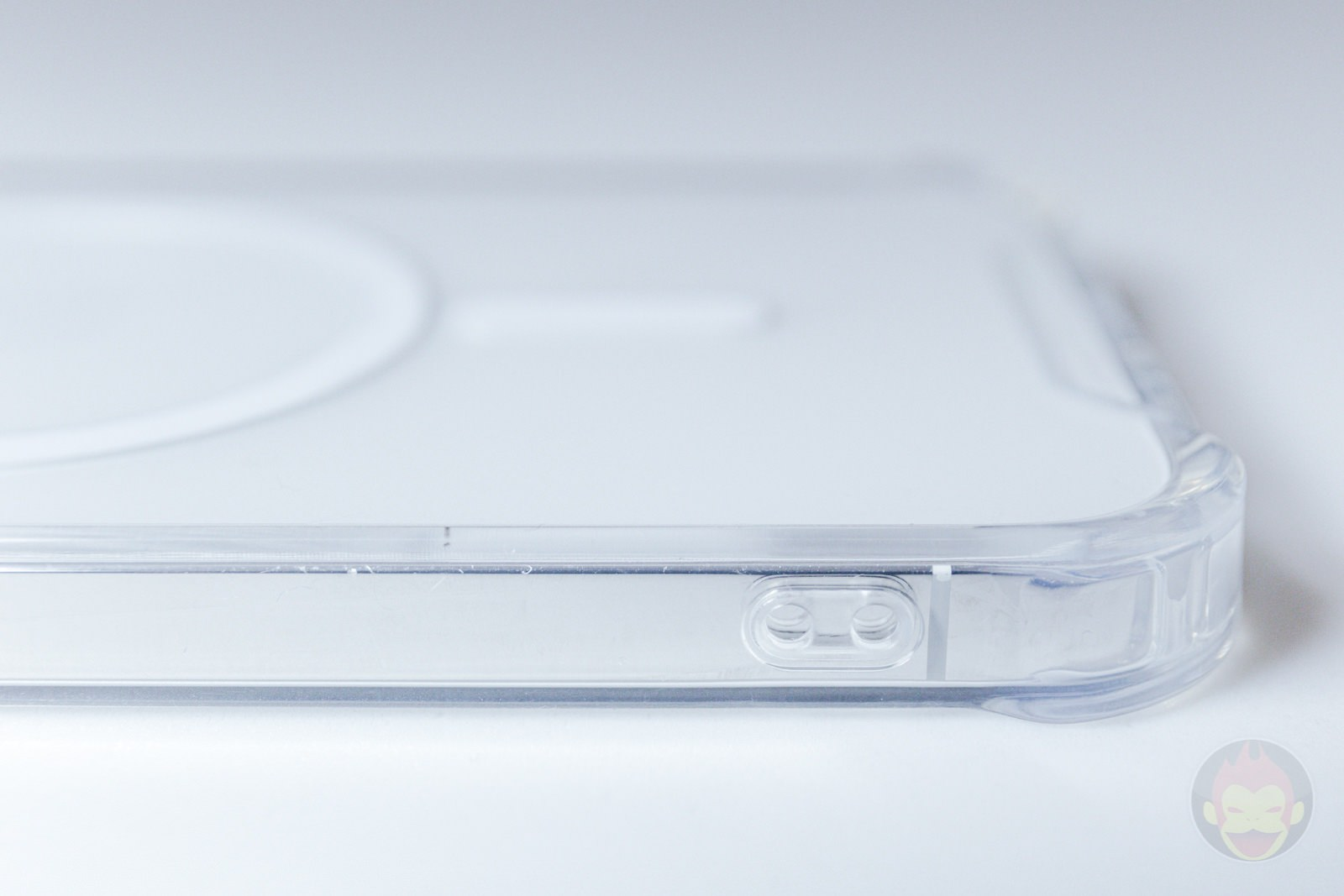 Beyeah iPhone12Pro Clear MagSafe Case Review 03