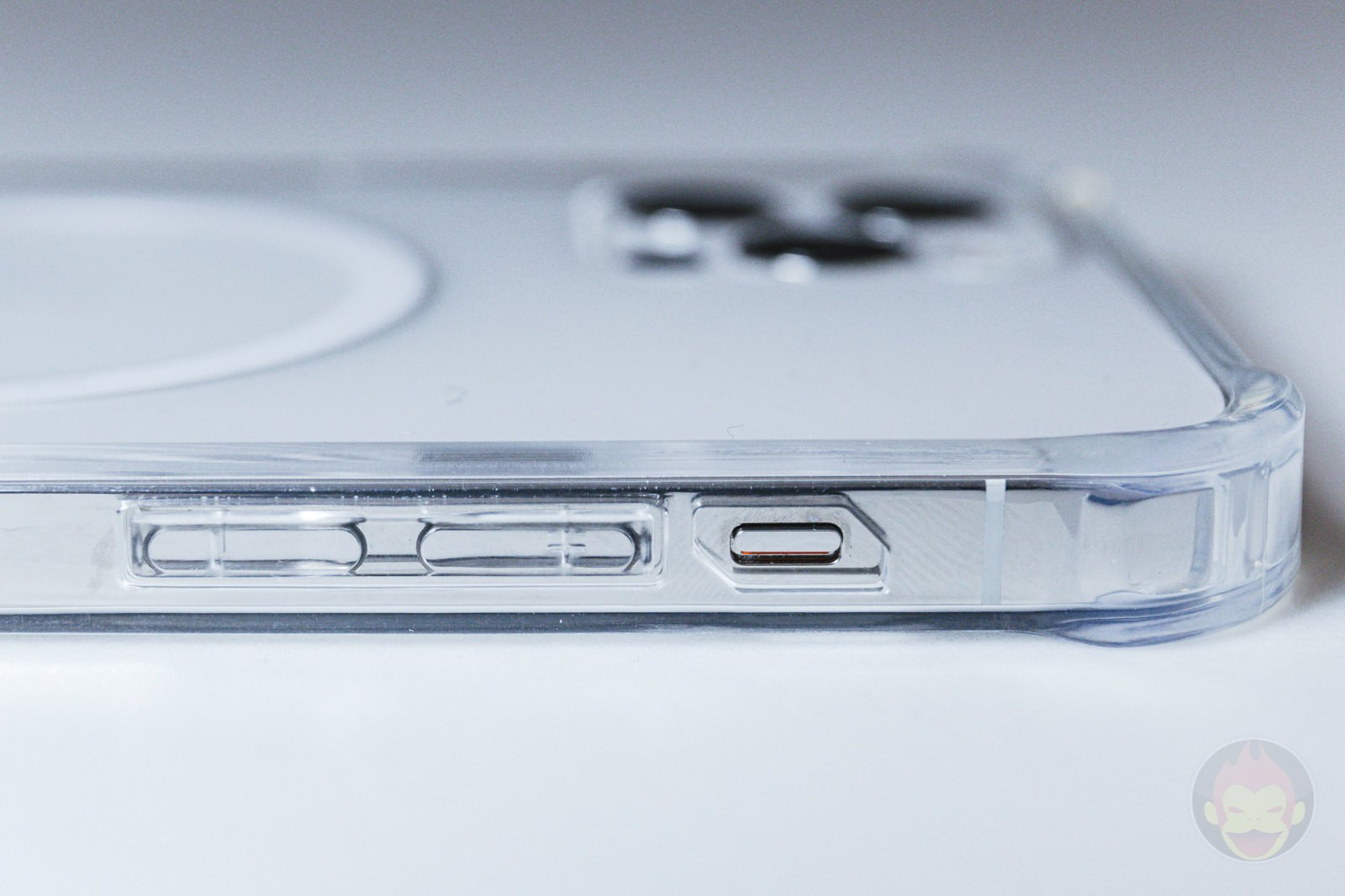 Beyeah iPhone12Pro Clear MagSafe Case Review 06