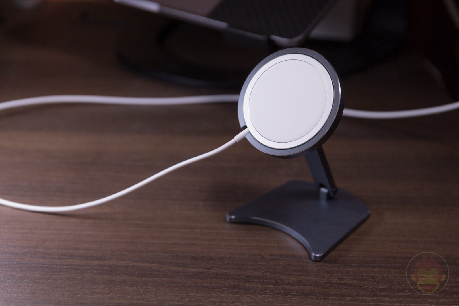 Newseego MagSafe Charger Stand Review 03