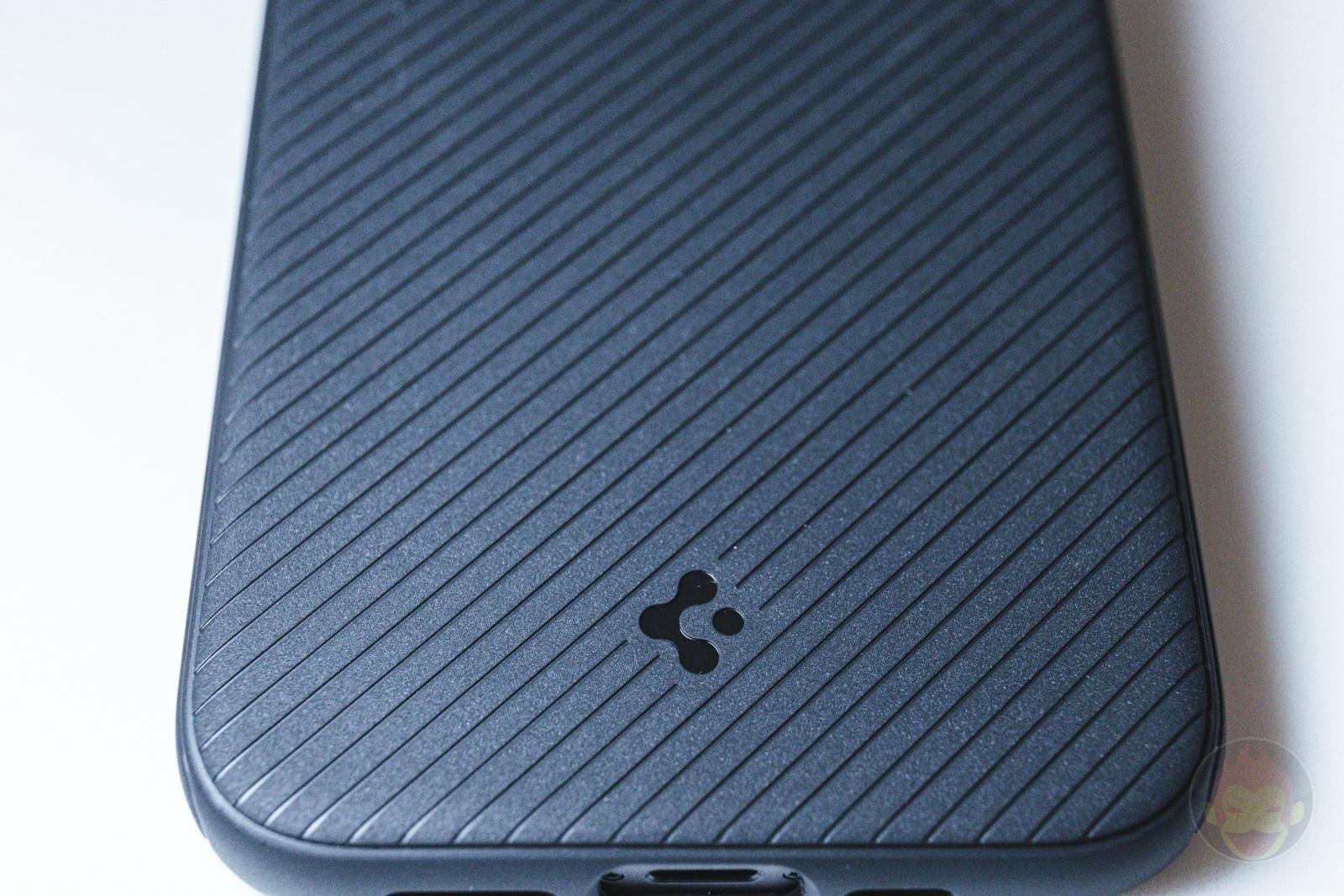 Spigen Mag Armour iPhone12 Case Review 02