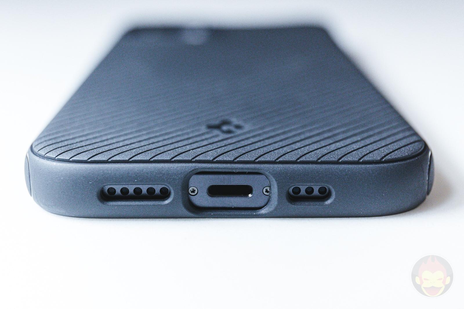 Spigen Mag Armour iPhone12 Case Review 03