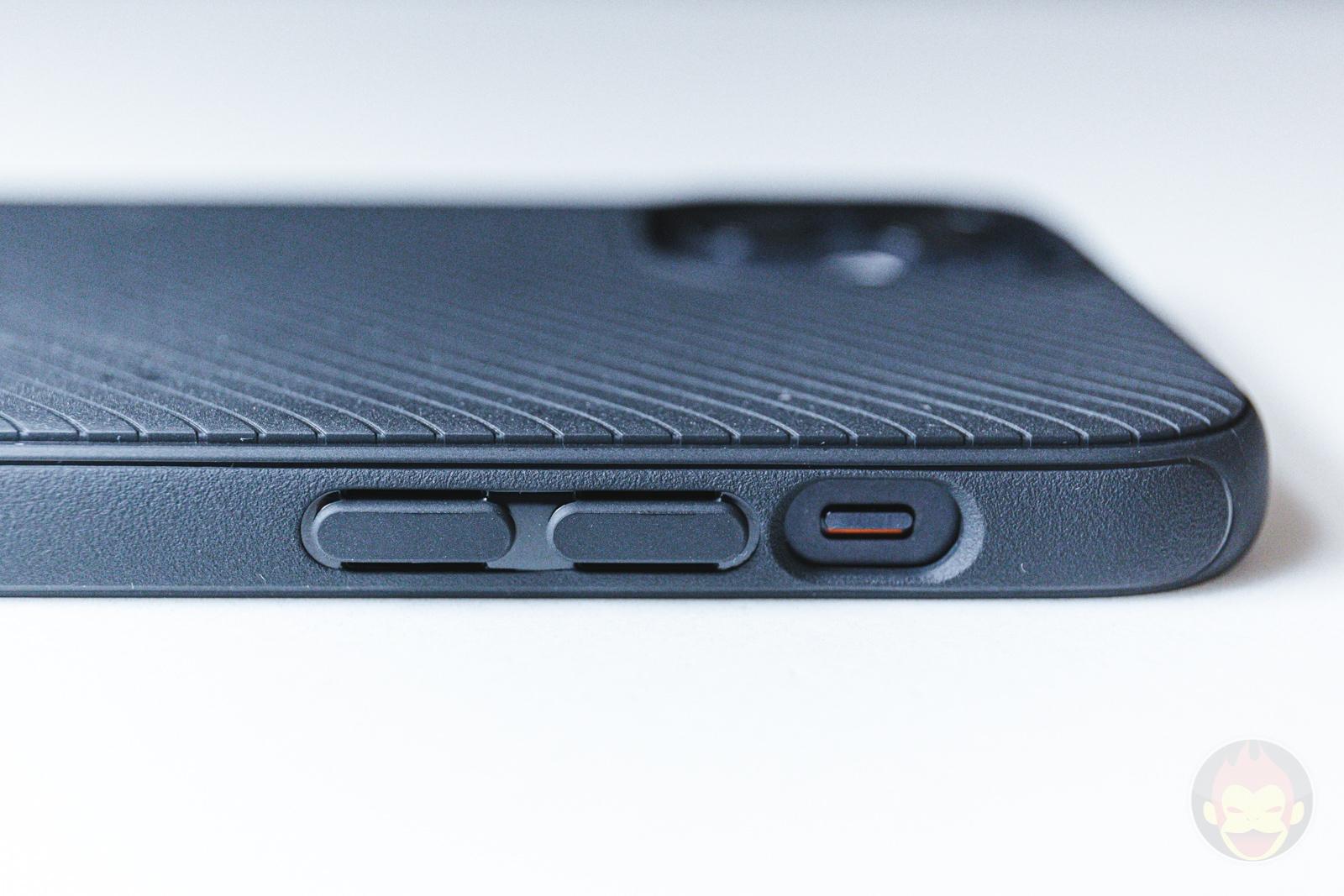 Spigen Mag Armour iPhone12 Case Review 04