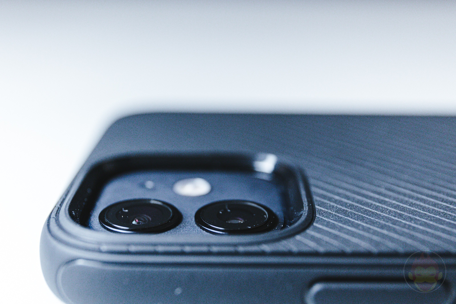 Spigen Mag Armour iPhone12 Case Review 06