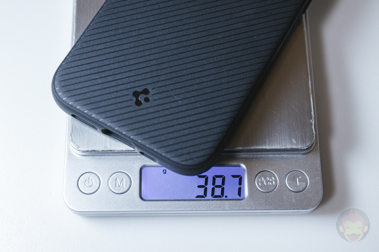 Spigen Mag Armour iPhone12 Case Review 10