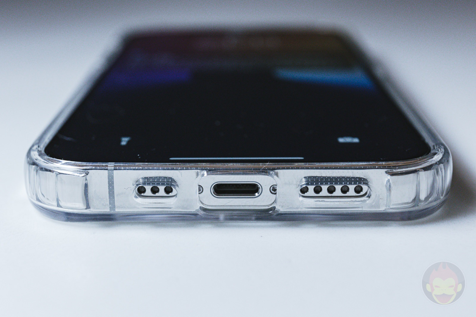 ZNX ZENIX iPhone12Pro Clear MagSafe Case Review 03