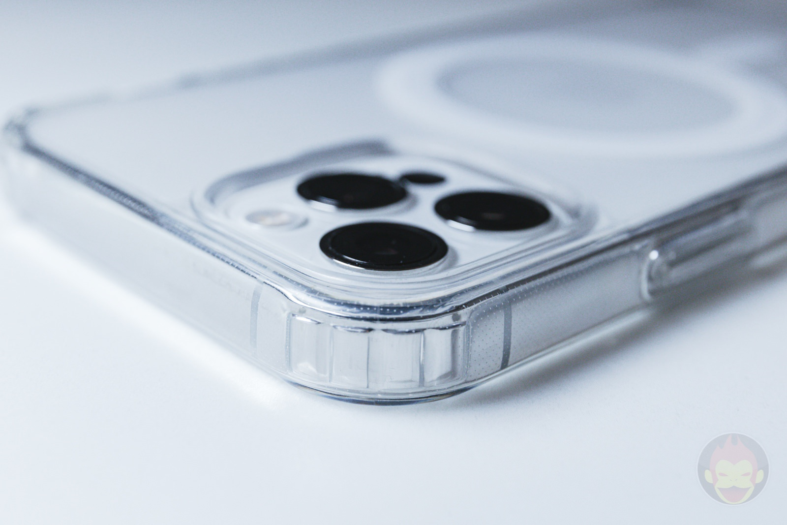 ZNX ZENIX iPhone12Pro Clear MagSafe Case Review 04