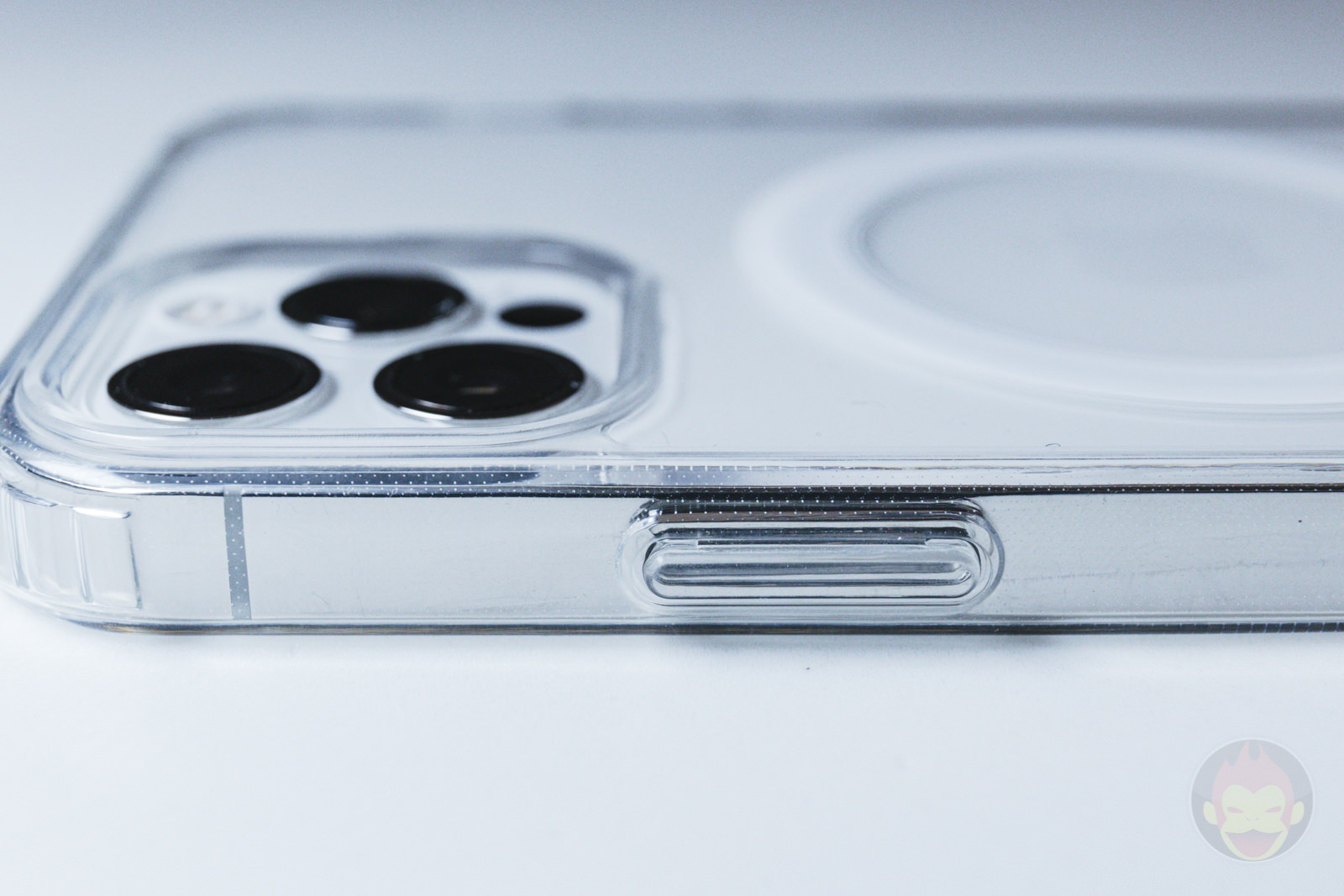 ZNX ZENIX iPhone12Pro Clear MagSafe Case Review 05