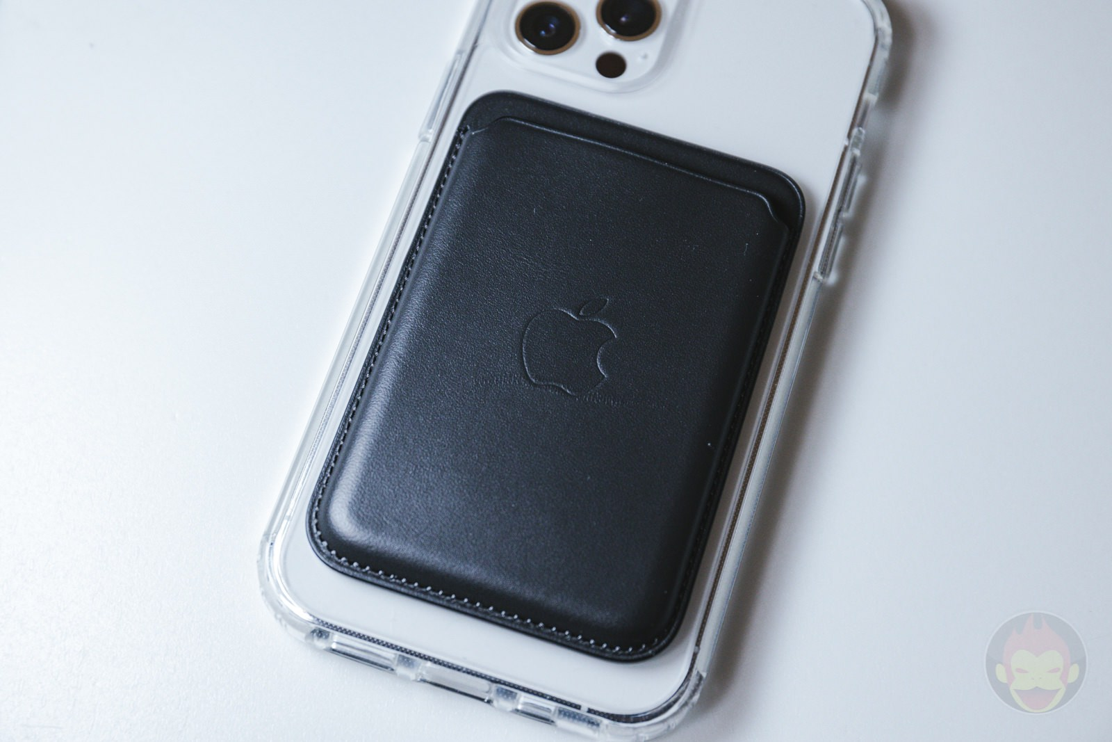 ZNX ZENIX iPhone12Pro Clear MagSafe Case Review 06