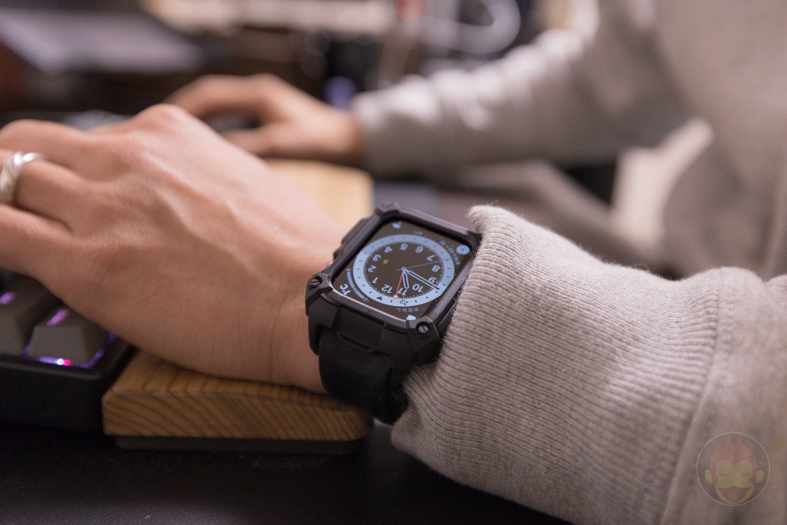 Apple Watch G SHOCK Elecom Case and UAG Band Review 01