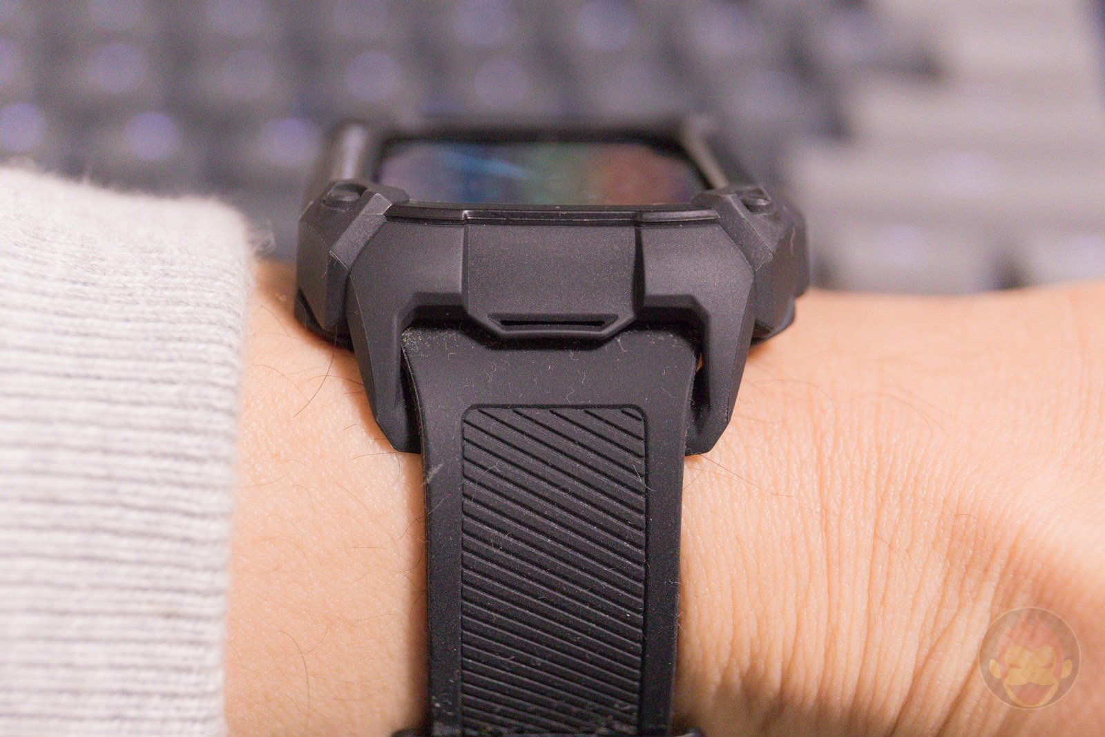 Apple Watch G SHOCK Elecom Case and UAG Band Review 11