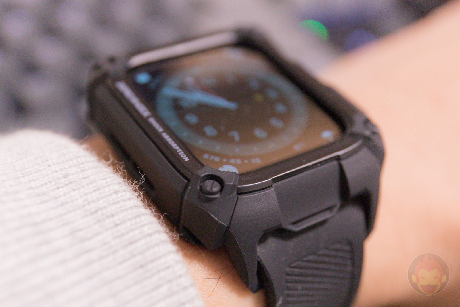 Apple-Watch-G-SHOCK-Elecom-Case-and-UAG-Band-Review-12.jpg