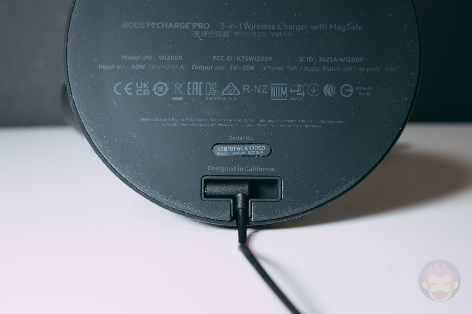 Belkin Boost charge pro 3 in 1 wireless charger with magsafe review 01