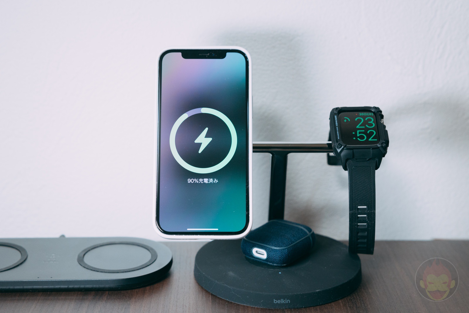Belkin Boost charge pro 3 in 1 wireless charger with magsafe review 06