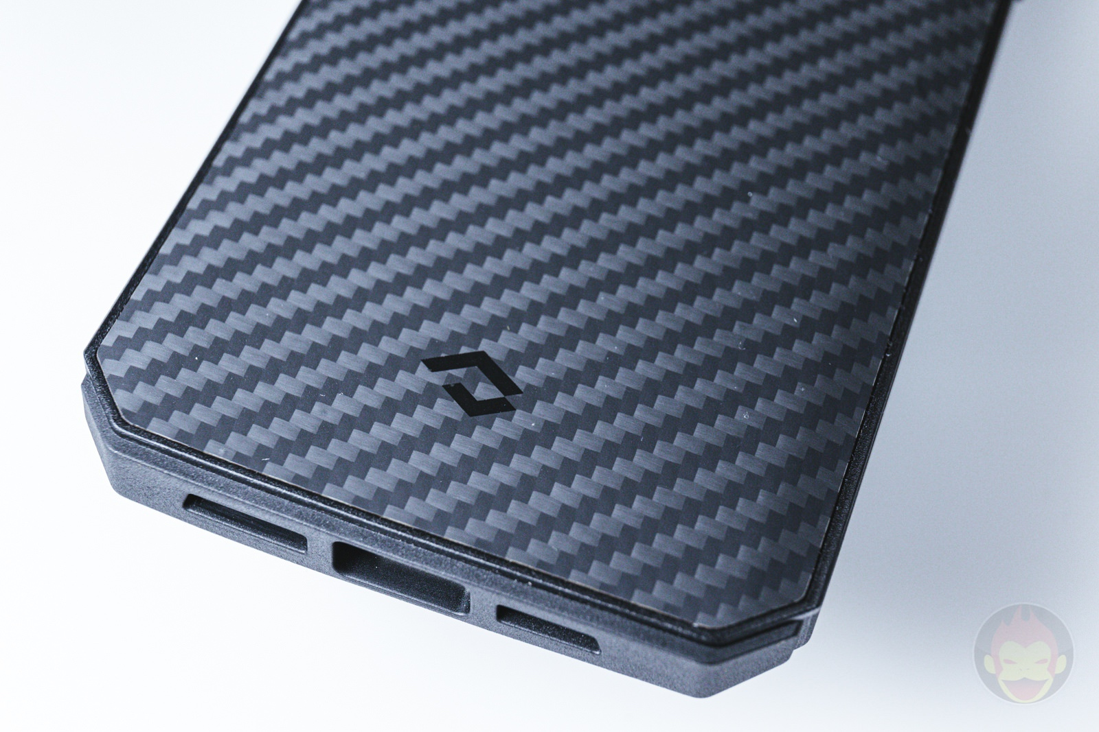 PITAKA-MagEZ-Case-Pro-Review-01.jpg