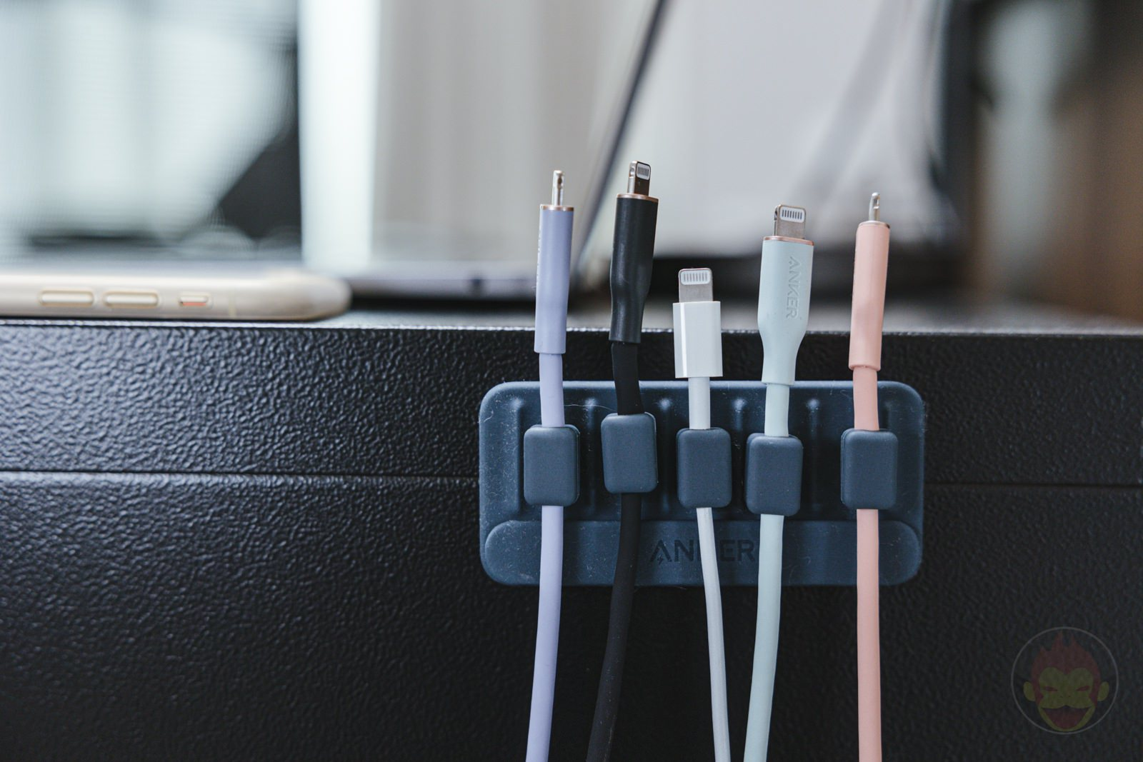 Anker-Magnetic-Cable-Holder-Review-06