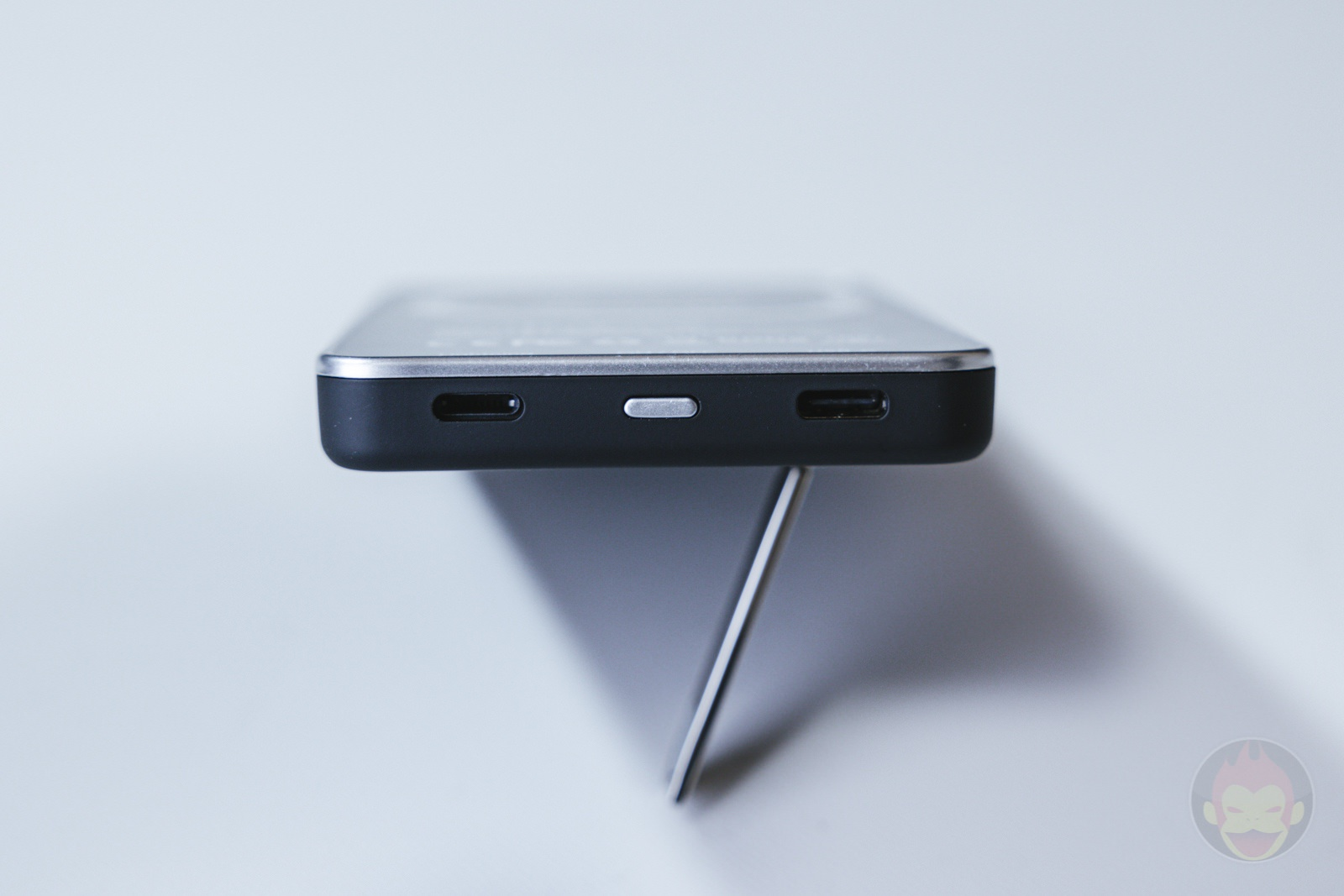 CIO-MB5000-MAG-MagSafe-Supported-Mobile-Battery-Review-10.jpg