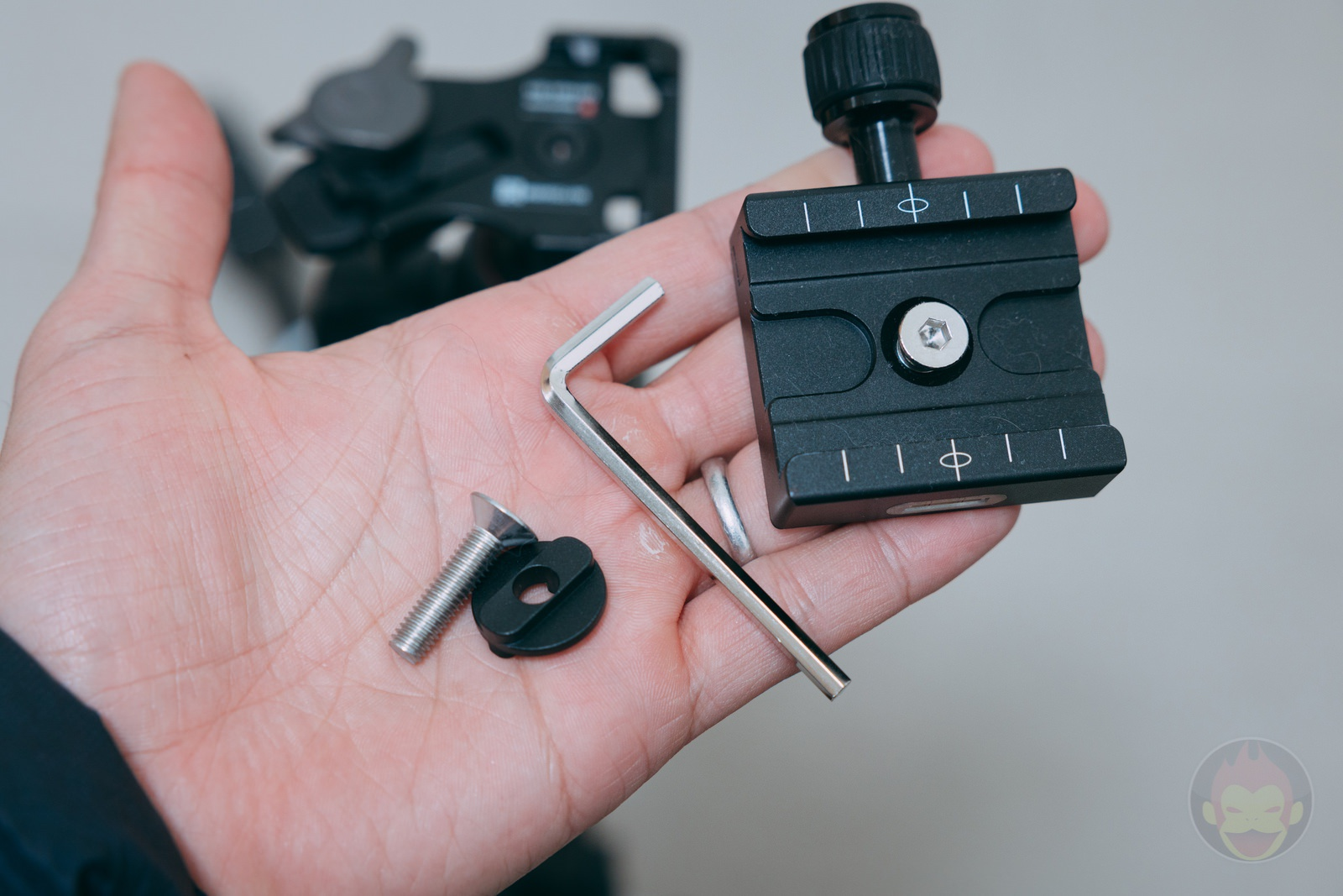 From Manfrotto to ArcaSwiss Plate 01