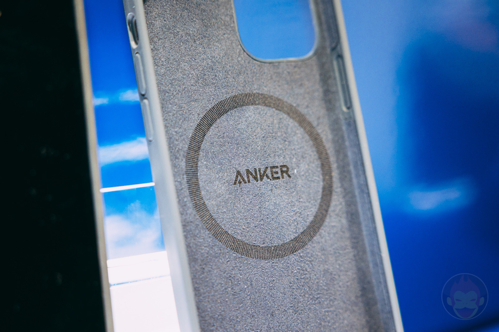 Anker Magnetic Silicone Case for iPhone12 12Pro Handson 12