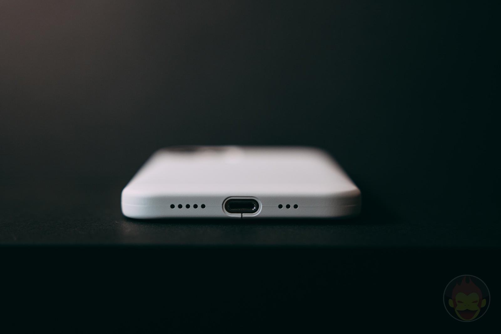 MYNUS-iPhone-12-Pro-Case-Review-09.jpg