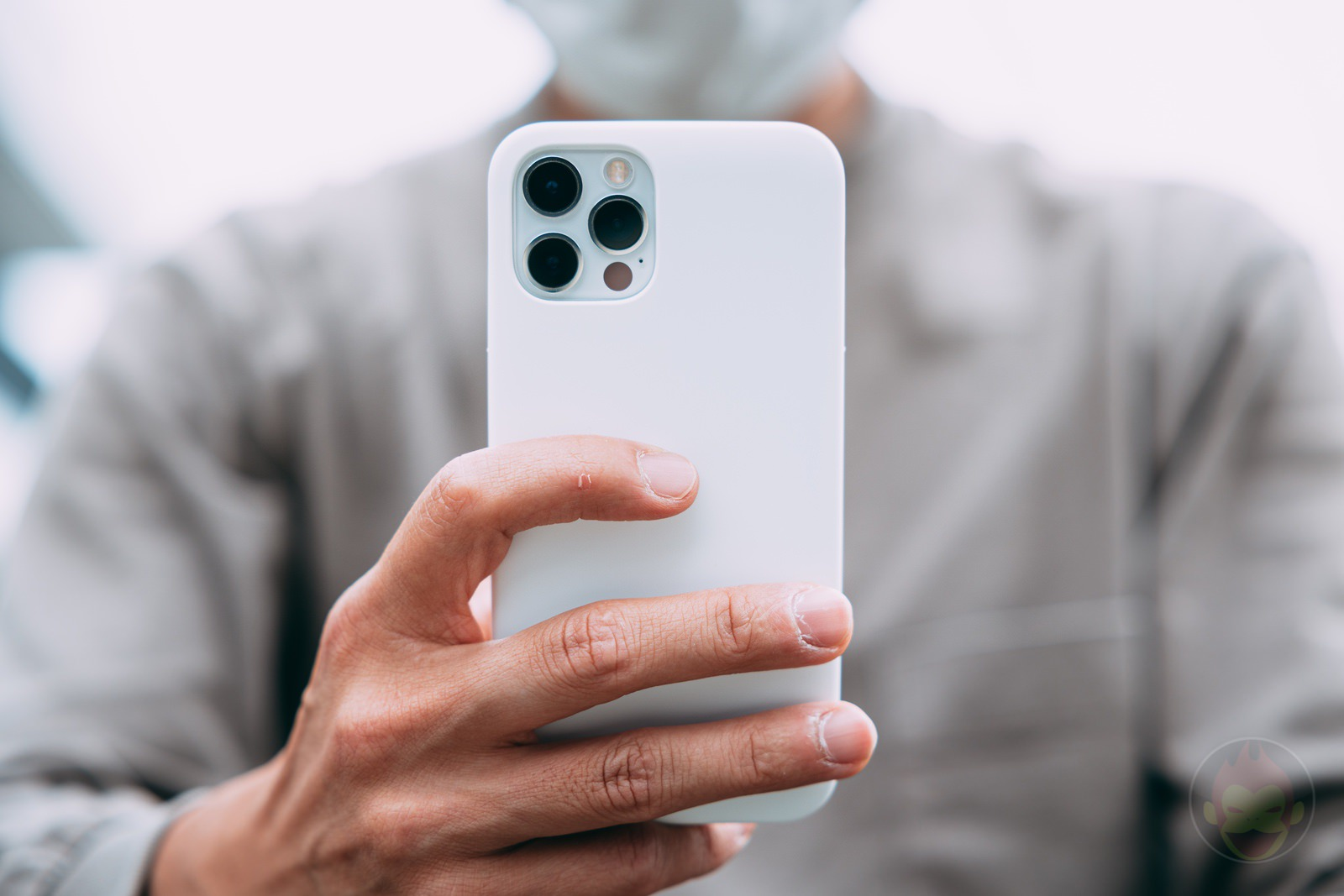MYNUS-iPhone-12-Pro-Case-Review-13.jpg