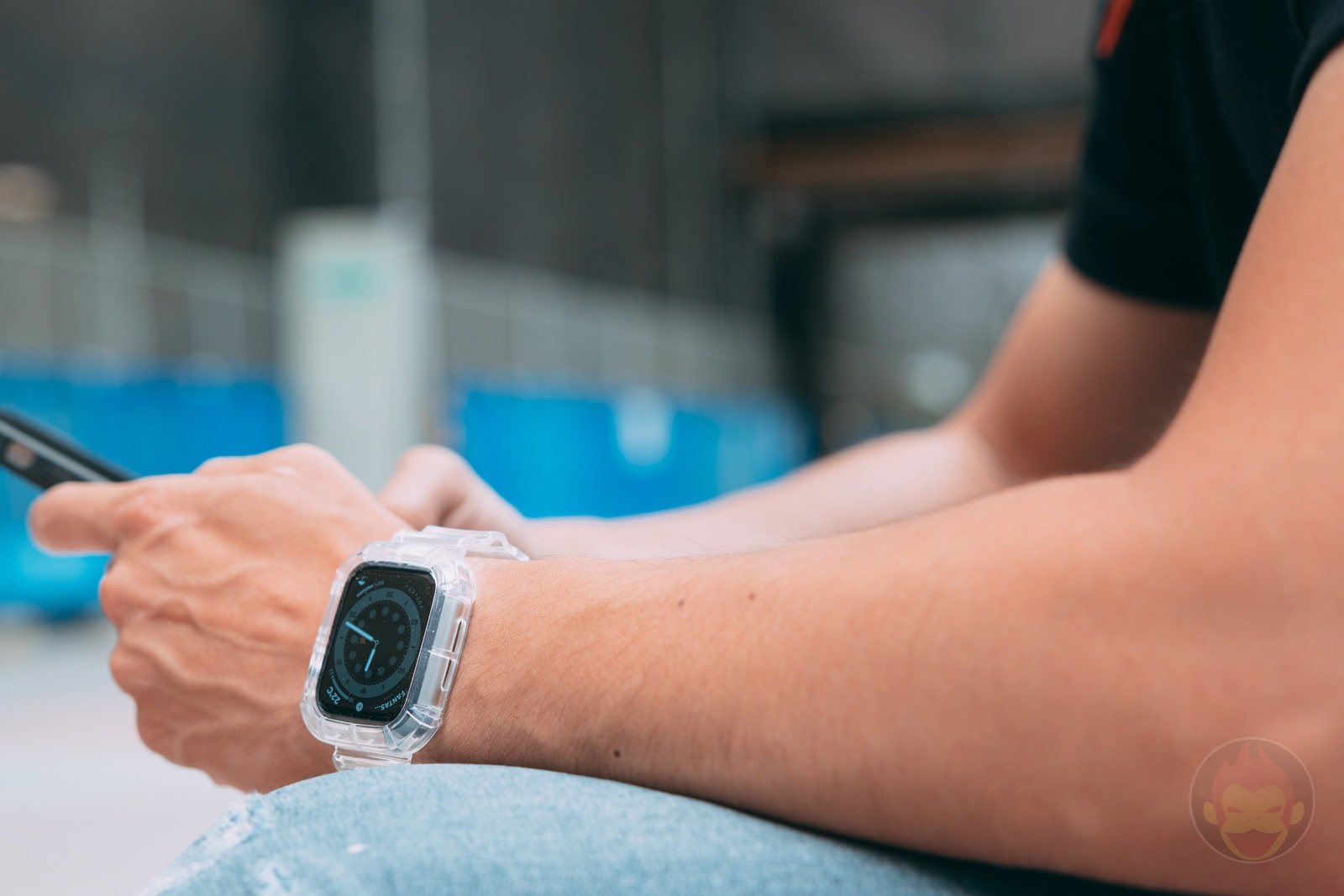 NAKOP-iWatch-Clear-Band-Review-02.jpg