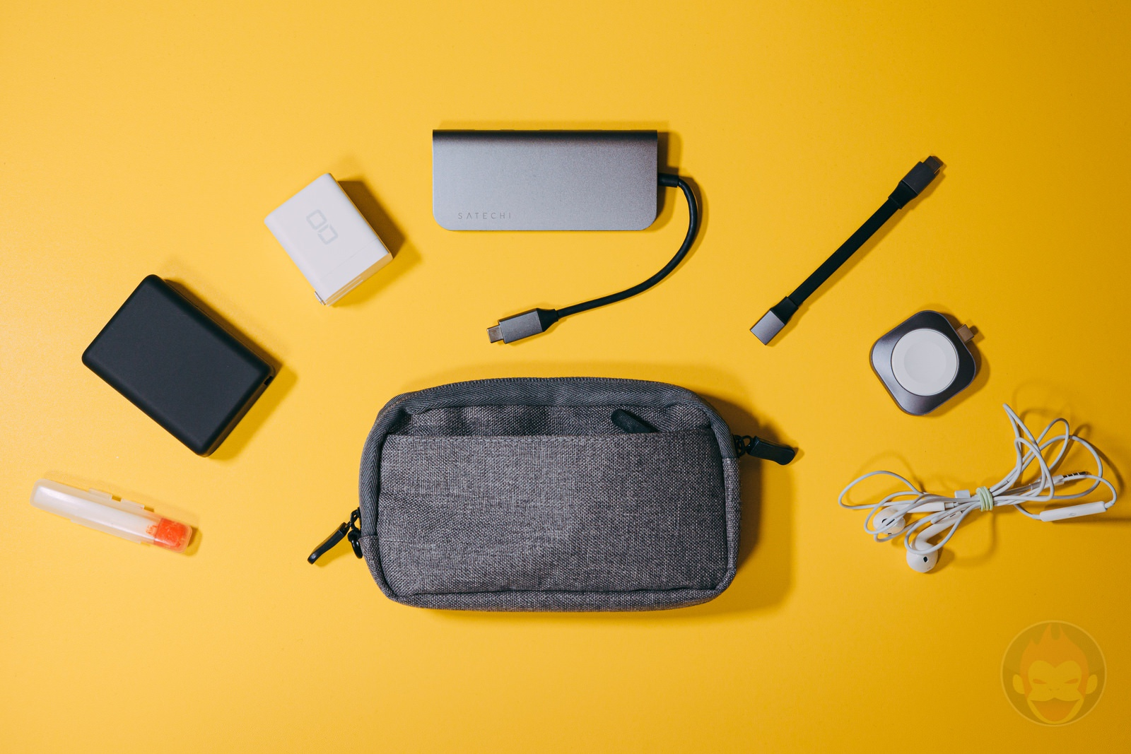 We-need-smaller-gadget-pouches-05.jpg