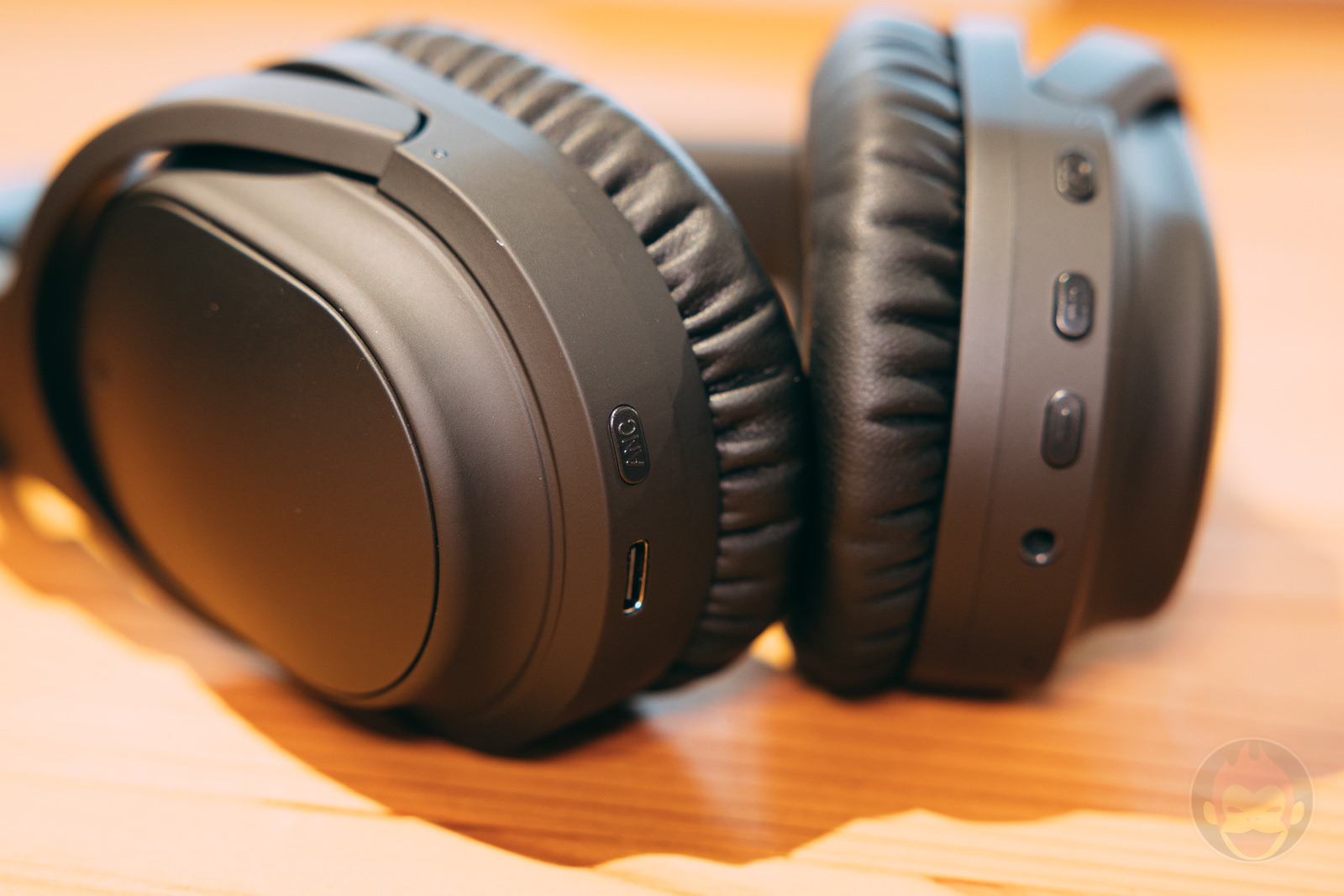 Ag WHP01K wireless headphones review 02