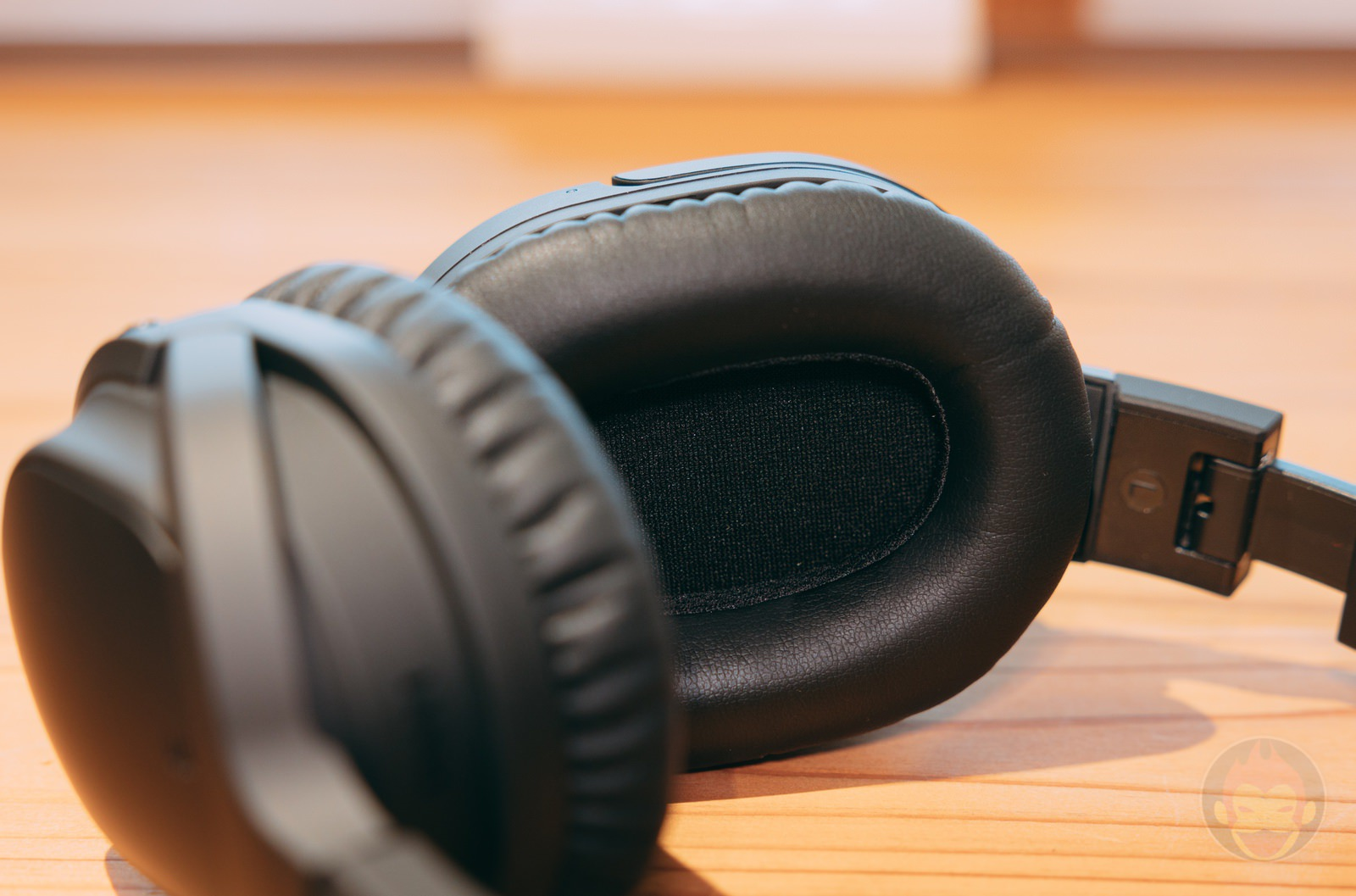 Ag WHP01K wireless headphones review 04