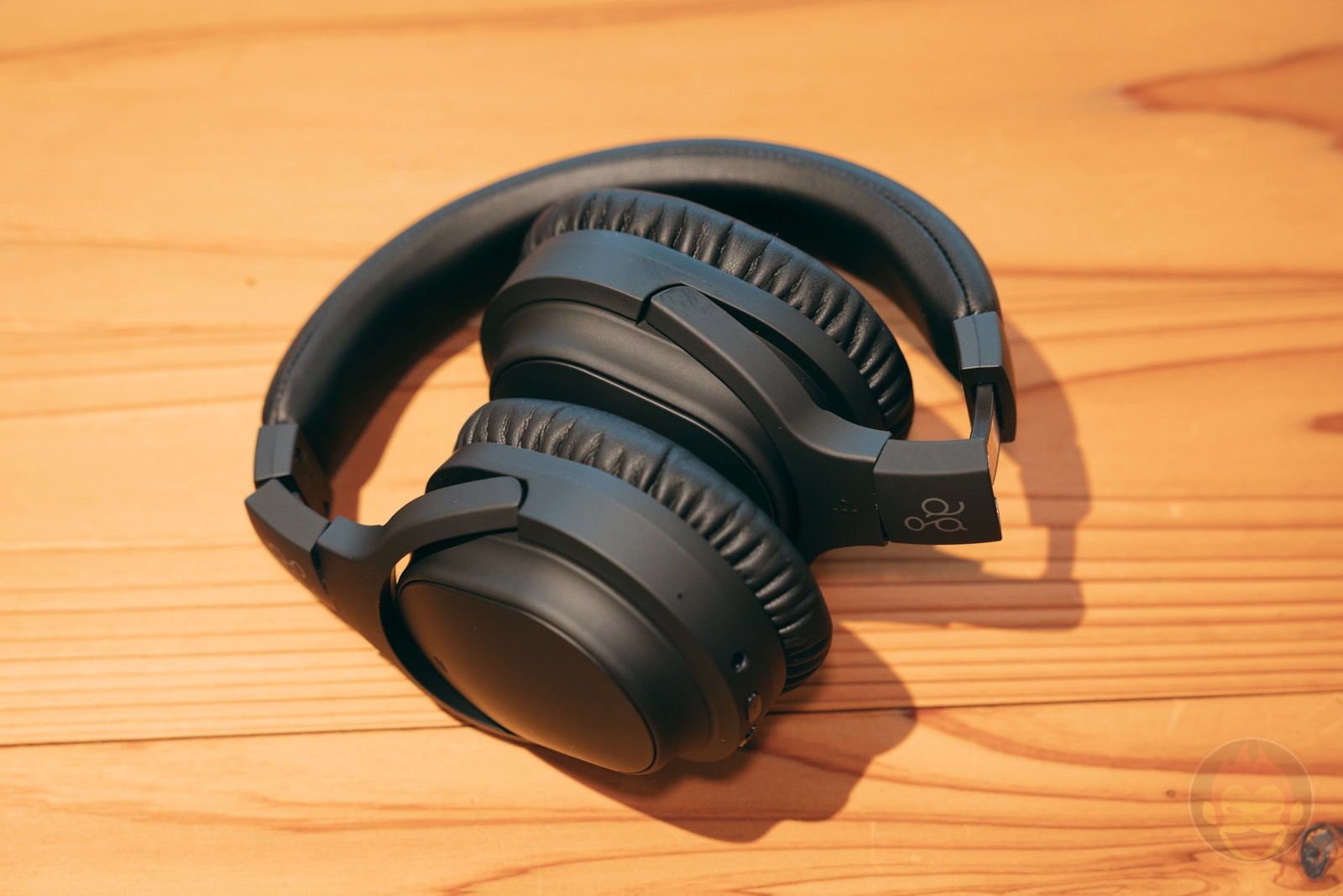 Ag WHP01K wireless headphones review 05