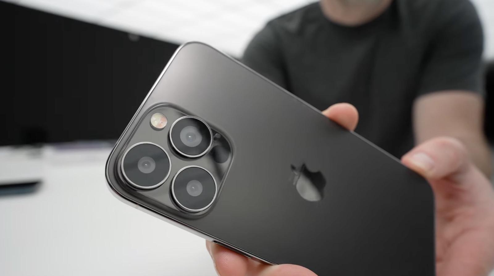 IPhone13ProMax FirstLook 02