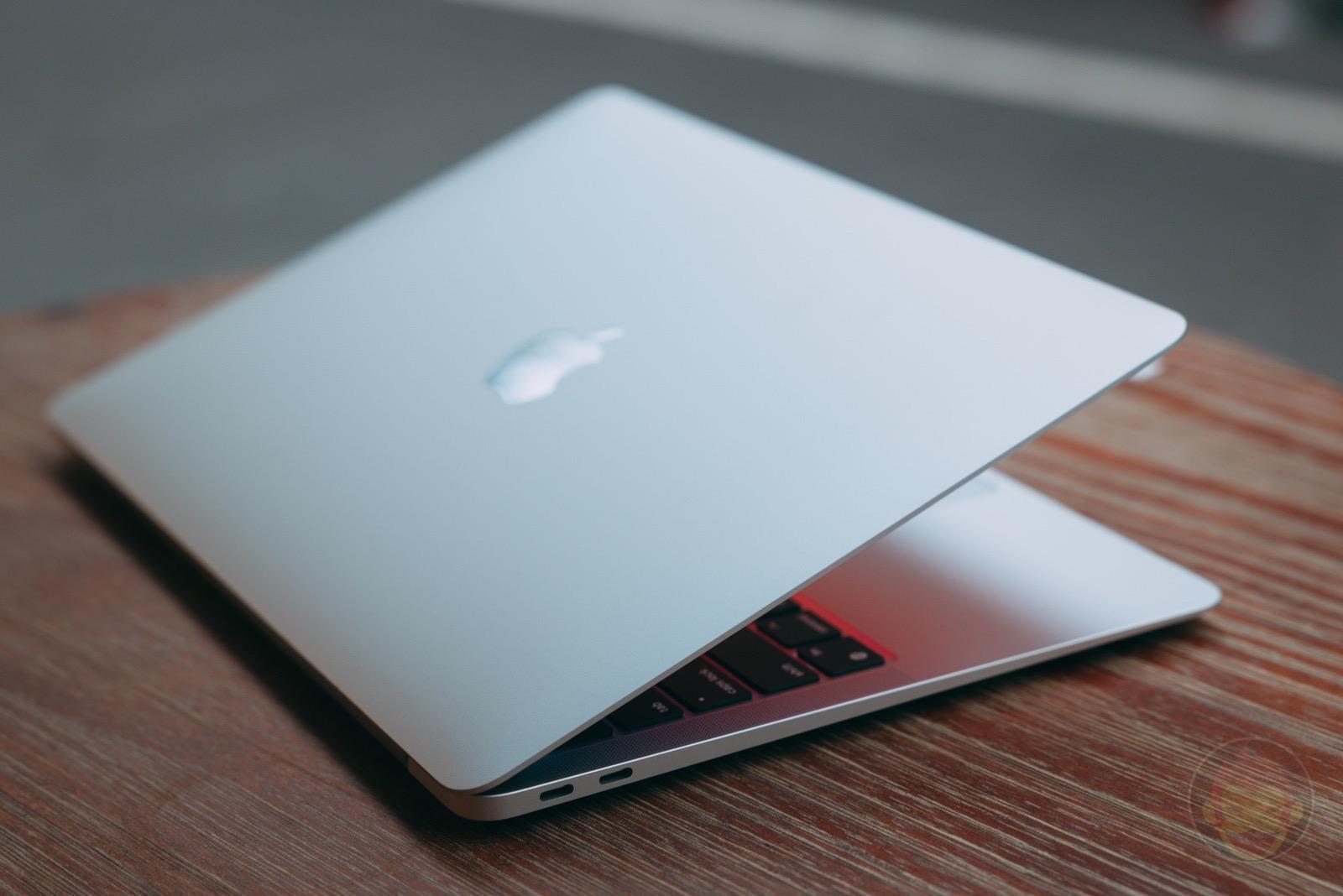 MacBook Air at Factory Cafe 05