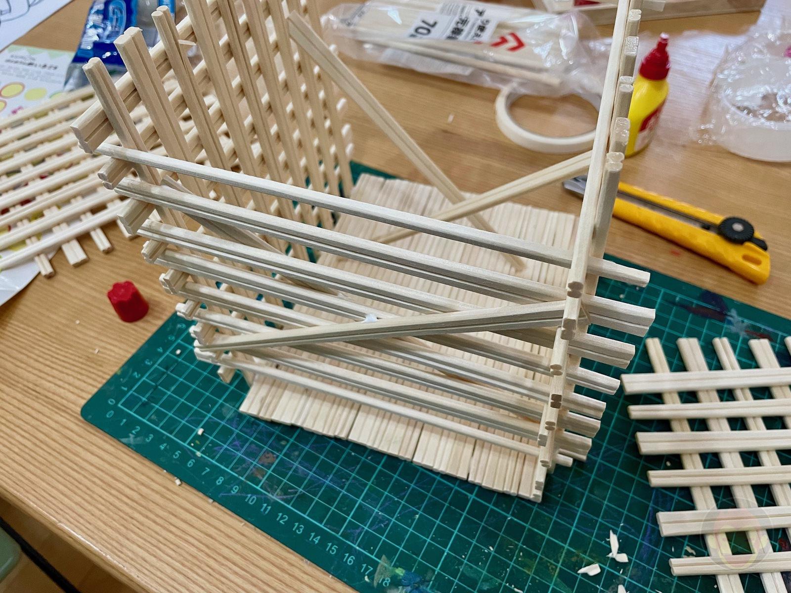 Making House with Chopsticks papame 04