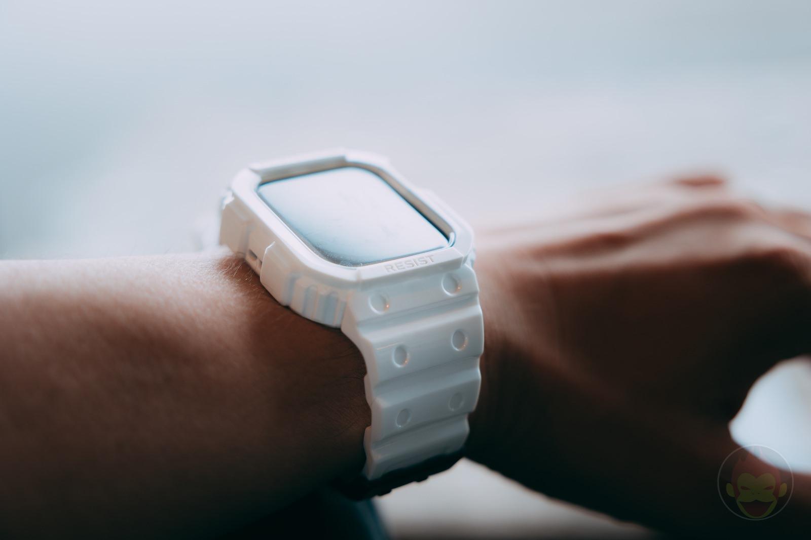 AmBand Apple Watch White G SHOCK Case 09