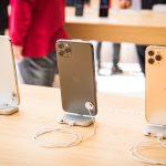 iphone-11-pro-at-apple-store-01.jpg