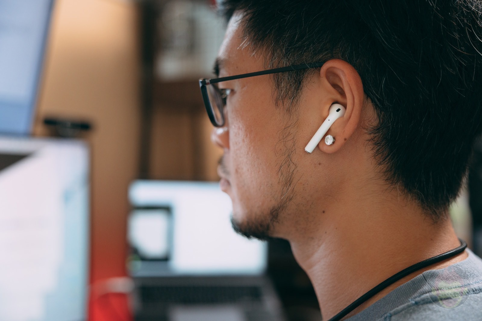How I Use My AirPods2 and thoughts on AirPods3 04