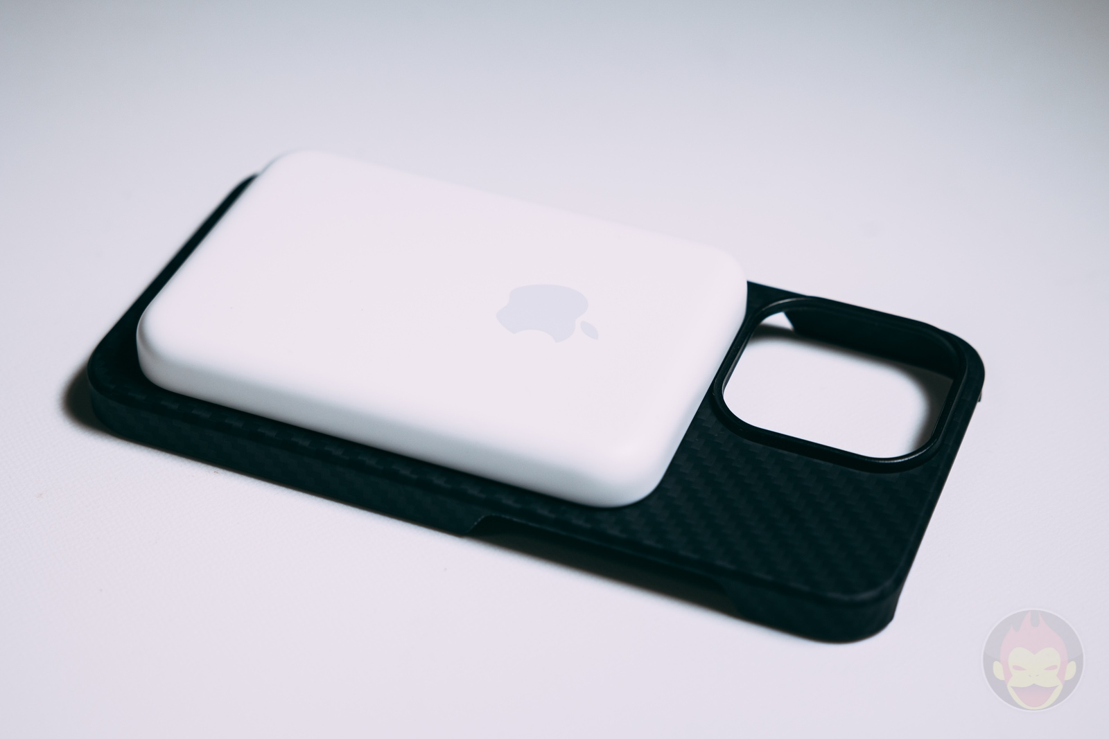 PITAKA MagSafe Compatible Case Review 06