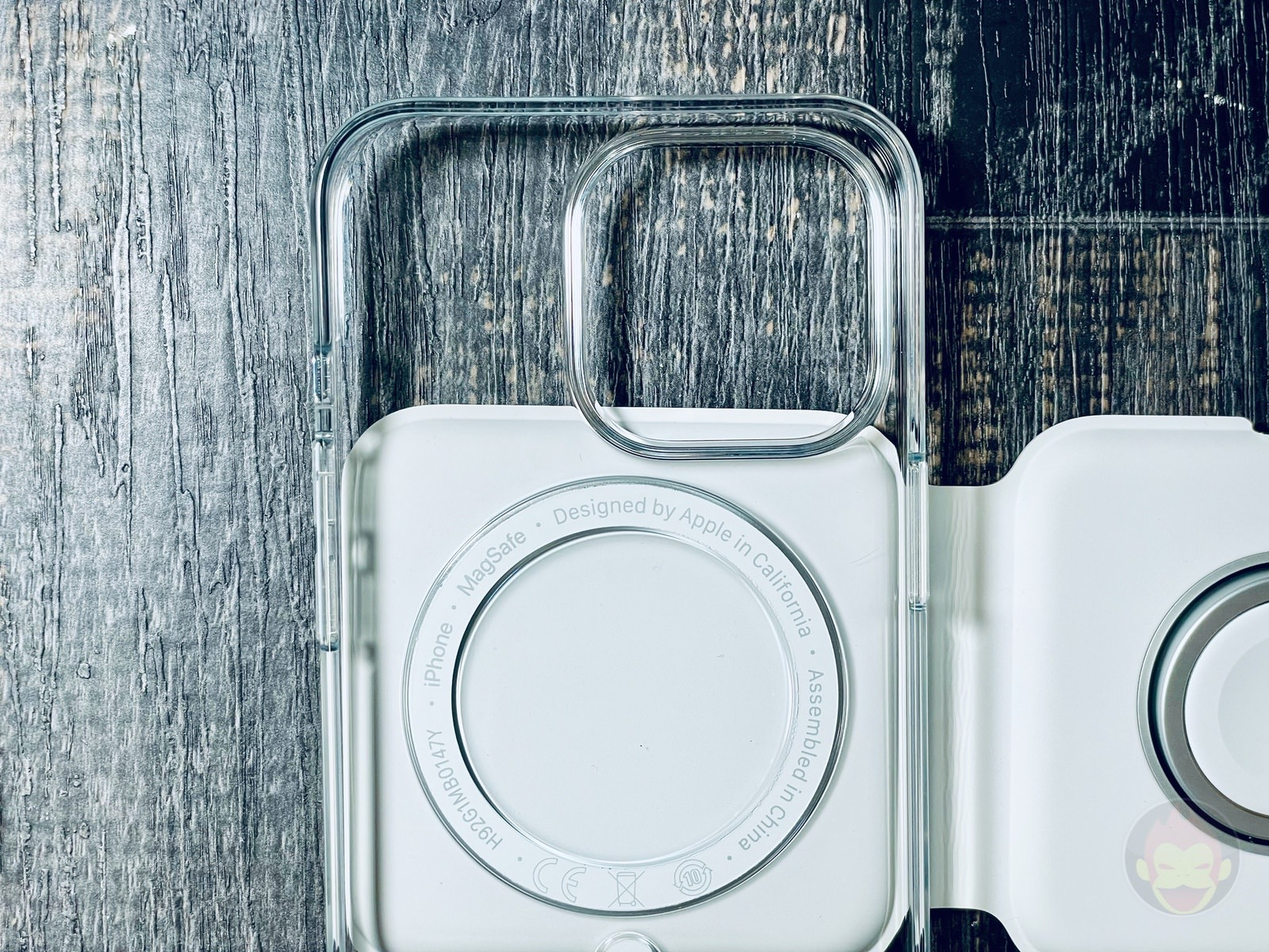Iphone13pro cases magsafe duo charger 02